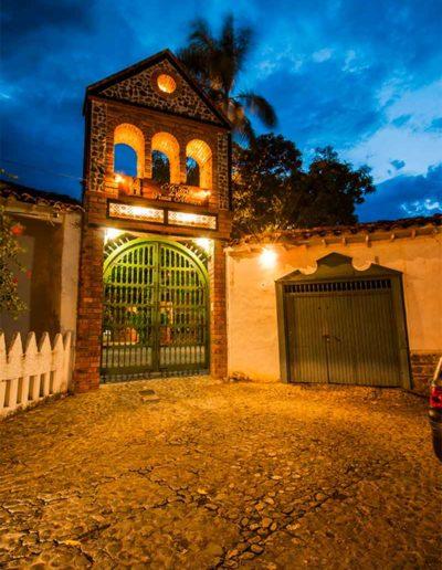 Hosteria de La Plaza Menor Santafe de Antioquia (2)