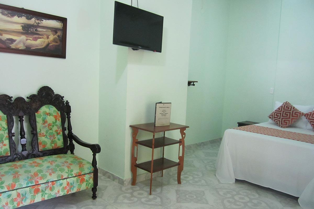 Hotel-Santafe-de-Antioquia-habitación-Estandar (5)